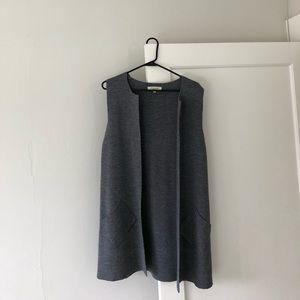 Wool Blend Sleeveless Sweater (Size M)